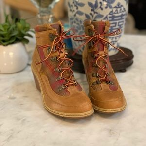 TIMBERLAND PENDLETON AMSTON HIKER WEDGE BOOTS